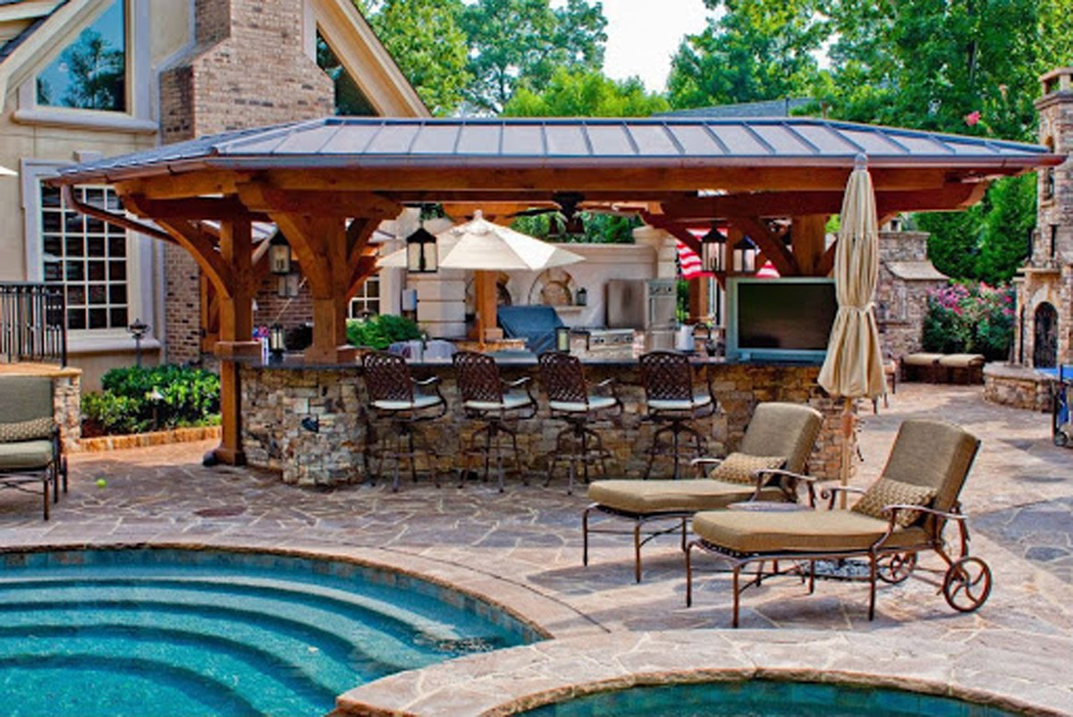 Installing an Outdoor Kitchen in your Backyard Space