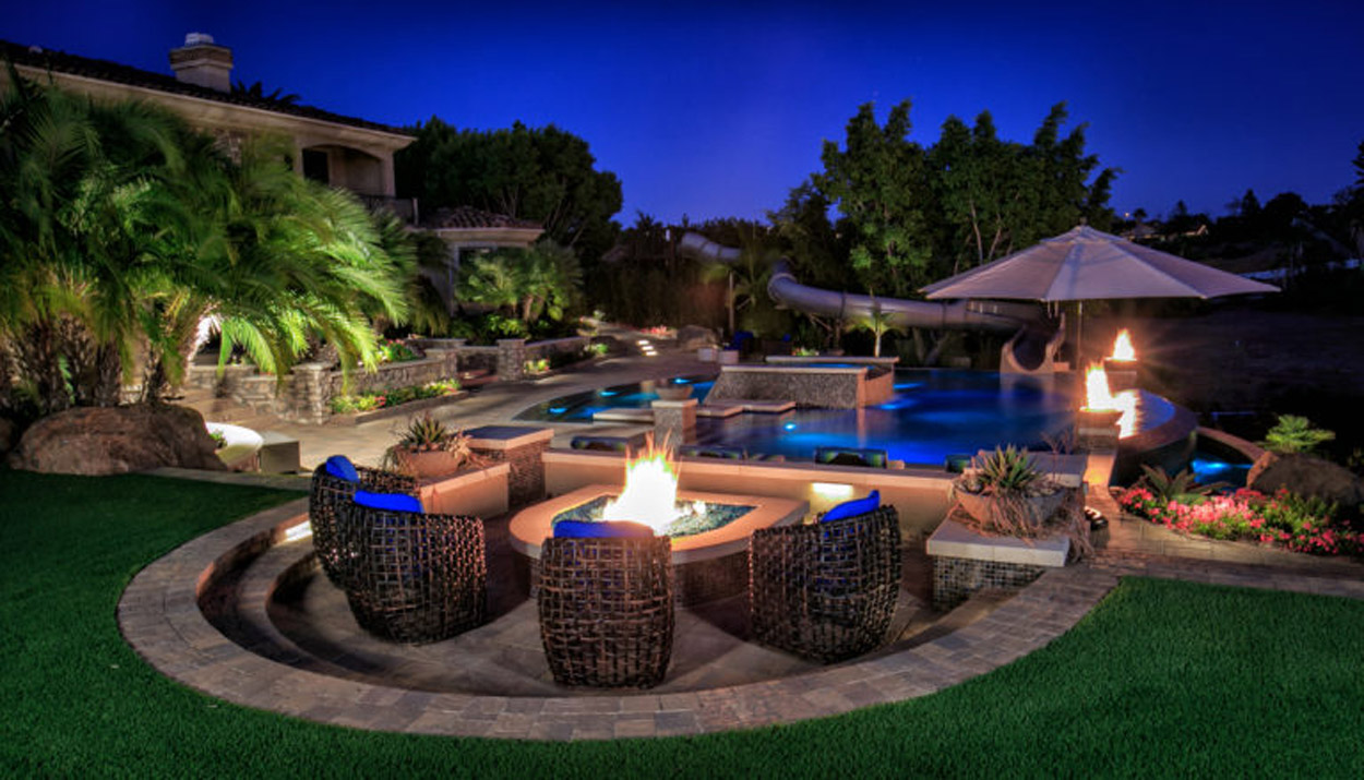Adding a Fire Feature in your Backyard Pool