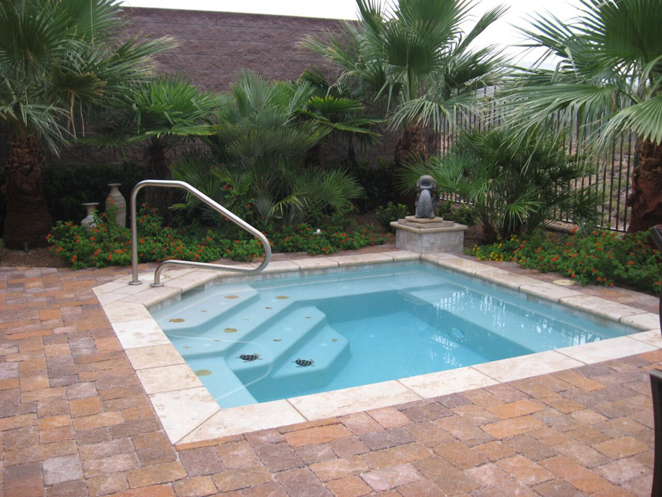 Add Functionality to your Pool Area with Pavers