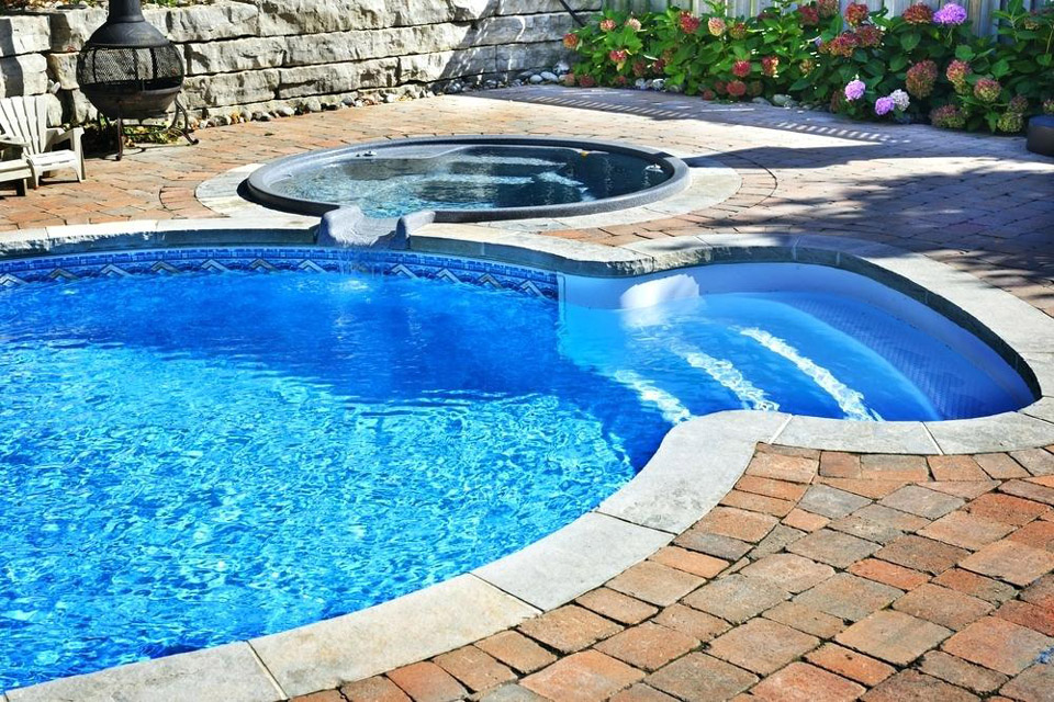 Maintaining a Healthy and Clean Pool