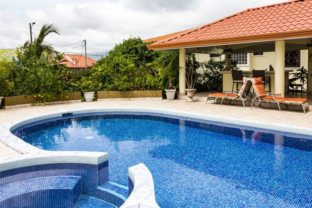 Painting Pools and Decks - Rejuvenate Your Backyard Space