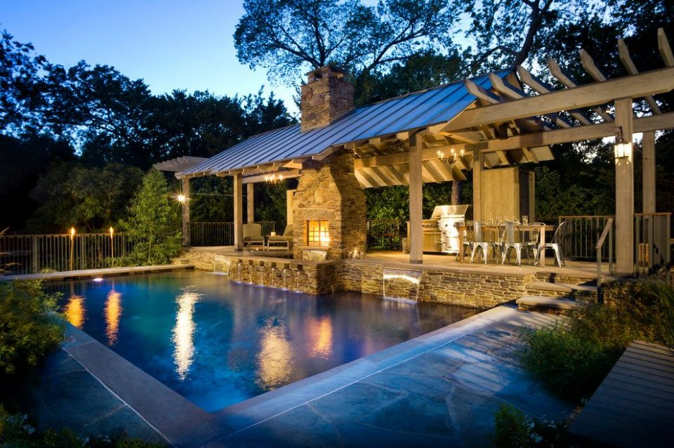 Do Pools Make a Home More Sellable? Some Experts Say Yes