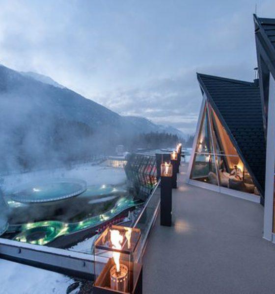 Aqua Dome Thermal Pool