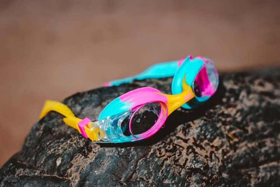 Smart Goggles Are Like a Peloton for Swimmers