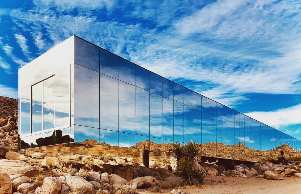 Joshua Tree - Invisible House - Mirrored One Way Glass Home