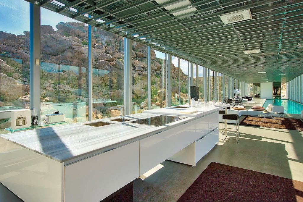 Enjoy fabulous 360 degree views throughout this luxury home. - Invisible House - Joshua Tree