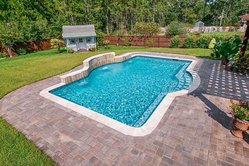 Garden pool - outdoor pool design is perfect for small backyards.